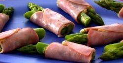Involtini di asparagi e prosciutto