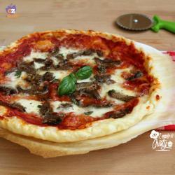 Pizza sfoglia con funghi trifolati