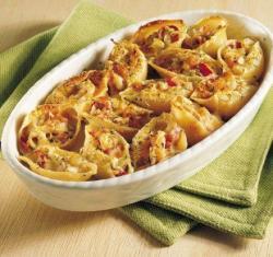 Conchiglioni con melenzane a filetti alla napoletana e pomodori secchi alla calabrese