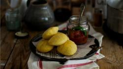 Frittelle di pasta di pane con sartascinello