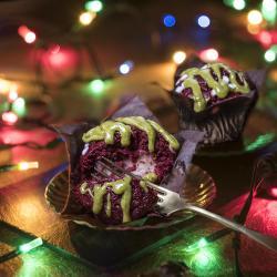 Muffin all'amarena e crema dolce al pistacchio