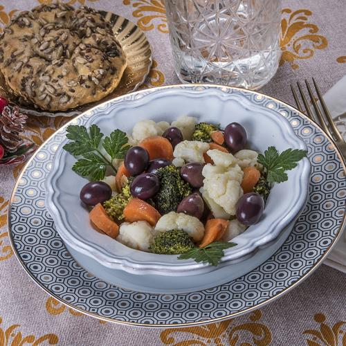 Insalata di rinforzo con olive Itrana